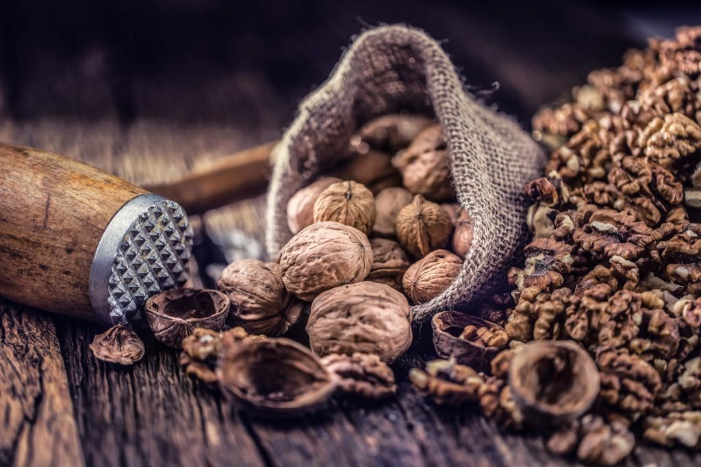 The risk of Diabetes by walnuts reduce!