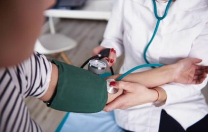 High blood pressure symptoms: Eating these foods could help lower your bp reading