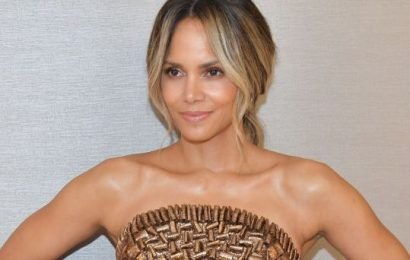 Halle Berry Has The Most INSANE Abs You've Ever Seen In This Photo