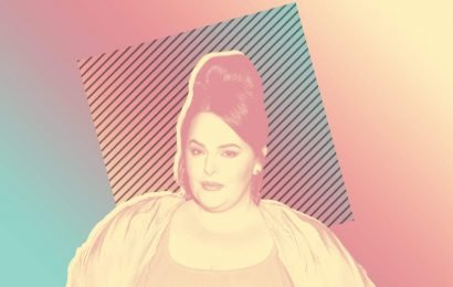 Tess Holliday Just Shared an Unedited Photo in the Bathtub: 'I'm a Literal Work of Art'