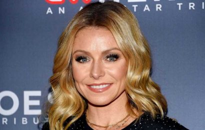 These Kelly Ripa Mom Moments Are Epic