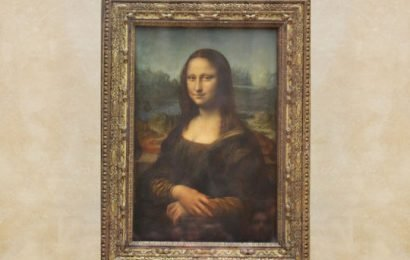 Was Mona Lisa's smile a lie? Researchers find that Mona Lisa's smile was non-genuine because of its asymmetry