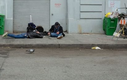 Drug users double as medics on the streets of San Francisco