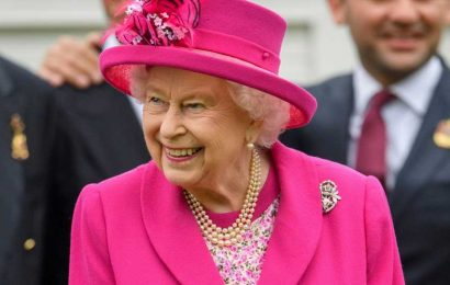 The Queen Is Hiring a New Live-In Chef & the Salary Is Not at All What We Expected