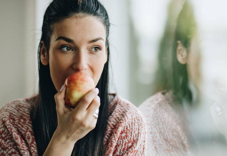 Why smokers eat Apples and tea should drink
