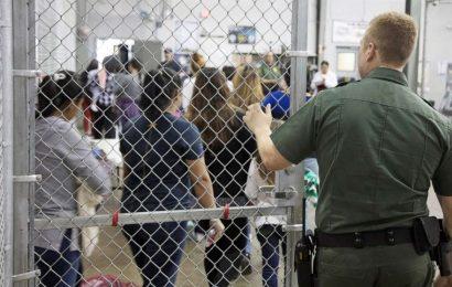 More than 900 mumps cases in immigrant detention centers, CDC reports