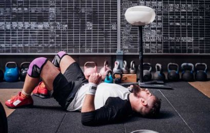 This 2-Step, 2-Minute Routine Will Burn Out Your Glutes