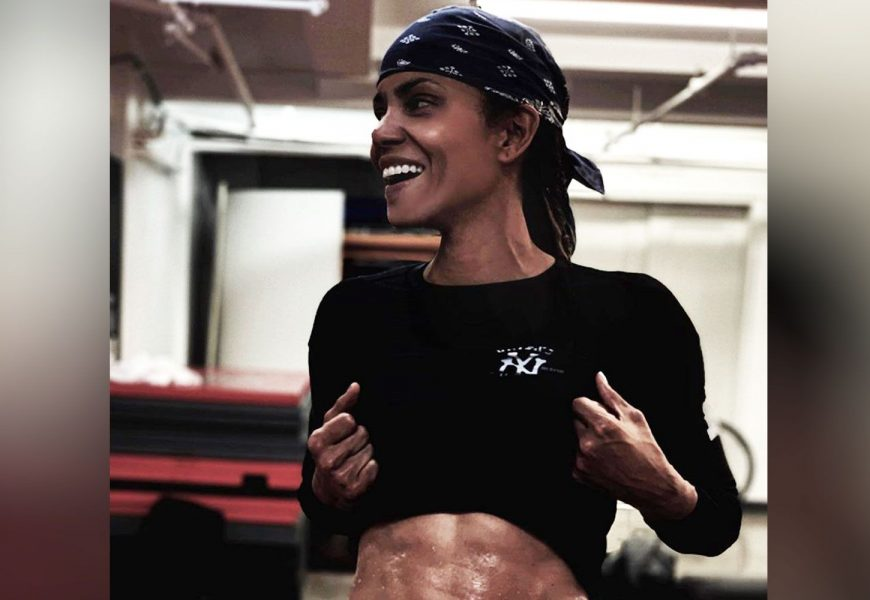 Halle Berry Set A Goal To Get 'Ripped Abs,' And Guess What? She Did It.