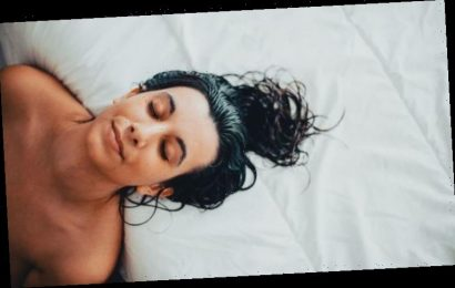 Going to bed with wet hair: Is it bad to sleep with wet hair?