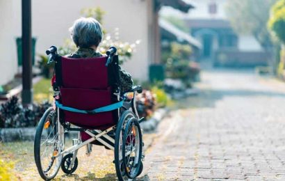 Older people with early, asymptomatic Alzheimer's present higher risk of falling