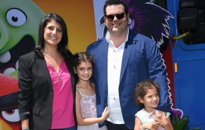 Josh Gad Calls Wife the 'Real Hero' as Daughters Have 'Become Pros' at Remote Virtual Learning