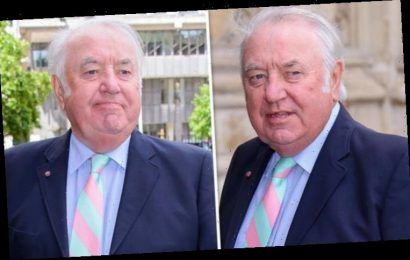 Jimmy Tarbuck health: The comedian is fighting prostate cancer – symptoms of the disease