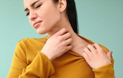 What It Really Means When Your Neck Itches