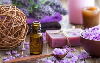 Natural Wellness: Why Everyone Should Try Using Essential Oils