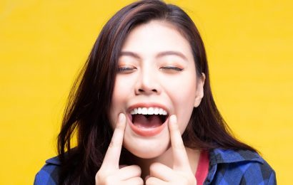 Does Whitening Teeth With Baking Soda Really Work?